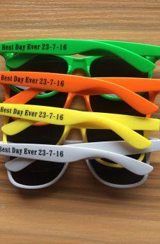 bulk-cheap-custom-sunglasses-best-friend-date-reminder-engagement-budget-gifts