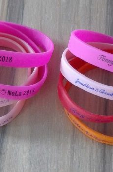 cheap-custom-silicone-wristbands-thank-you-gifts-for-wedding-attendees-wedding-favors-wholesale