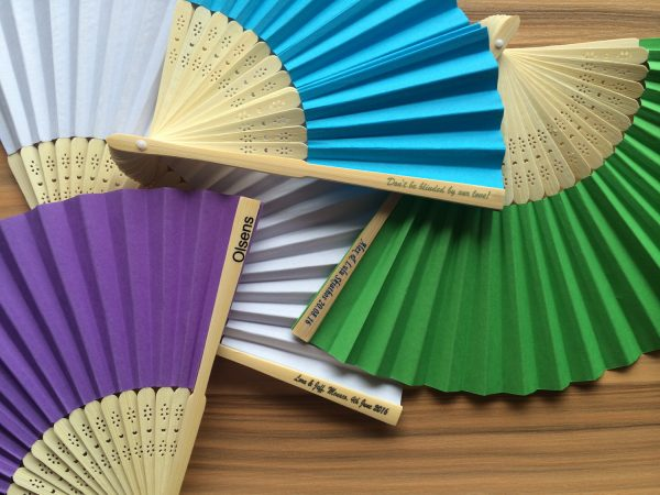 personalized-paper-hand-fans-church-fans-wedding-favours-idea