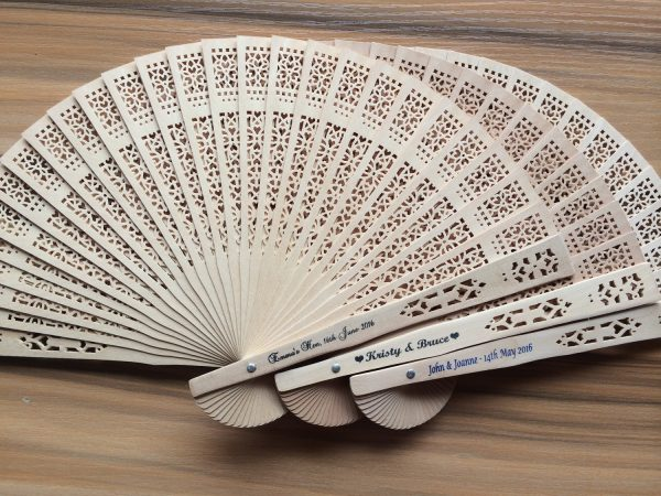 personalized-sandalwood-fans-elegant-summer-wedding-guest-gifts-bachelorette-party-gifts-for-bridesmaids