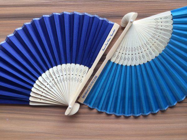 personalized-silk-fans-chinese-fan-folding-fans-bulk-cheap-wedding-guest-gift-ideas